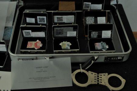 Die Geldkoffer des Norbert Grimm Photo: Tadashi Abe