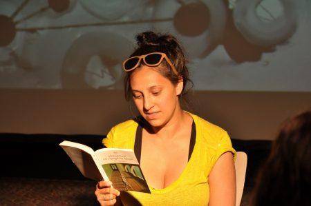 Mira Mazumdar bei der Michael Ende Lesung Bahnhofskathedrale Photo: Tadashi Abe